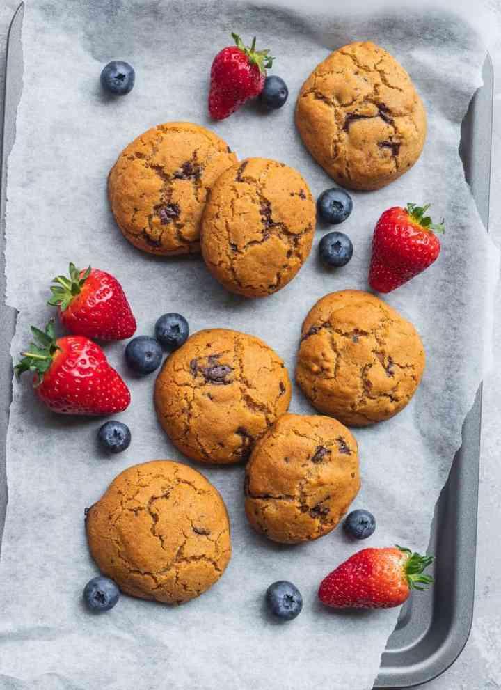 Simple Vegan Chocolate Chip Cookies