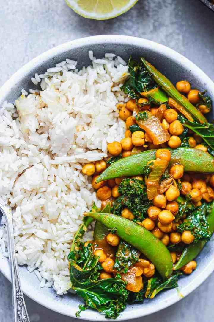 Vegan peanut chickpea curry