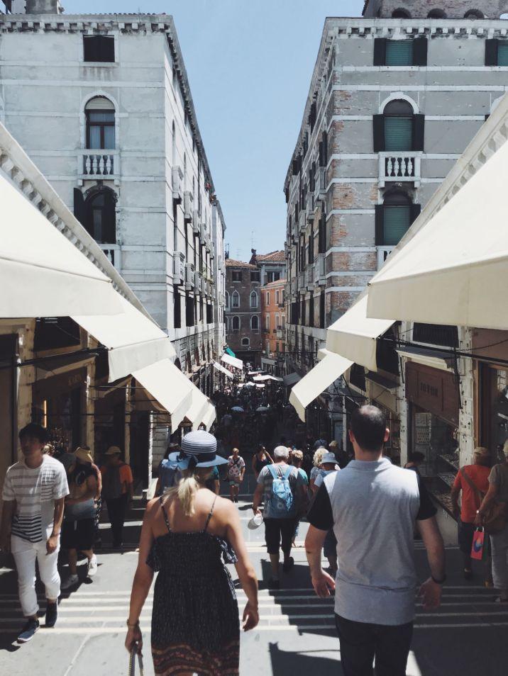 Venice sightseeing - rialto bridge