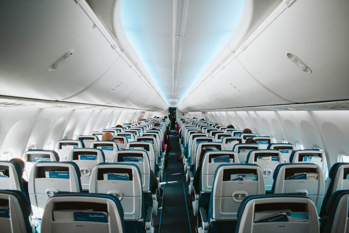 Airplane seats in Economy, tips for long flights