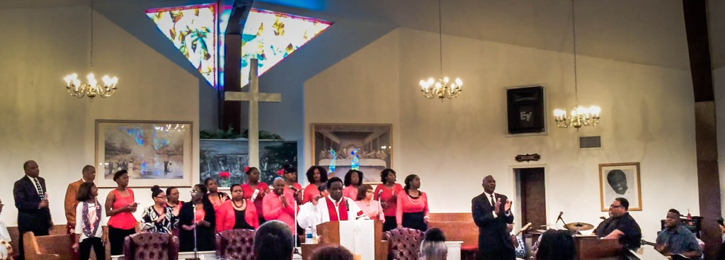 Picture of Reverend Al Green, the choir and band.