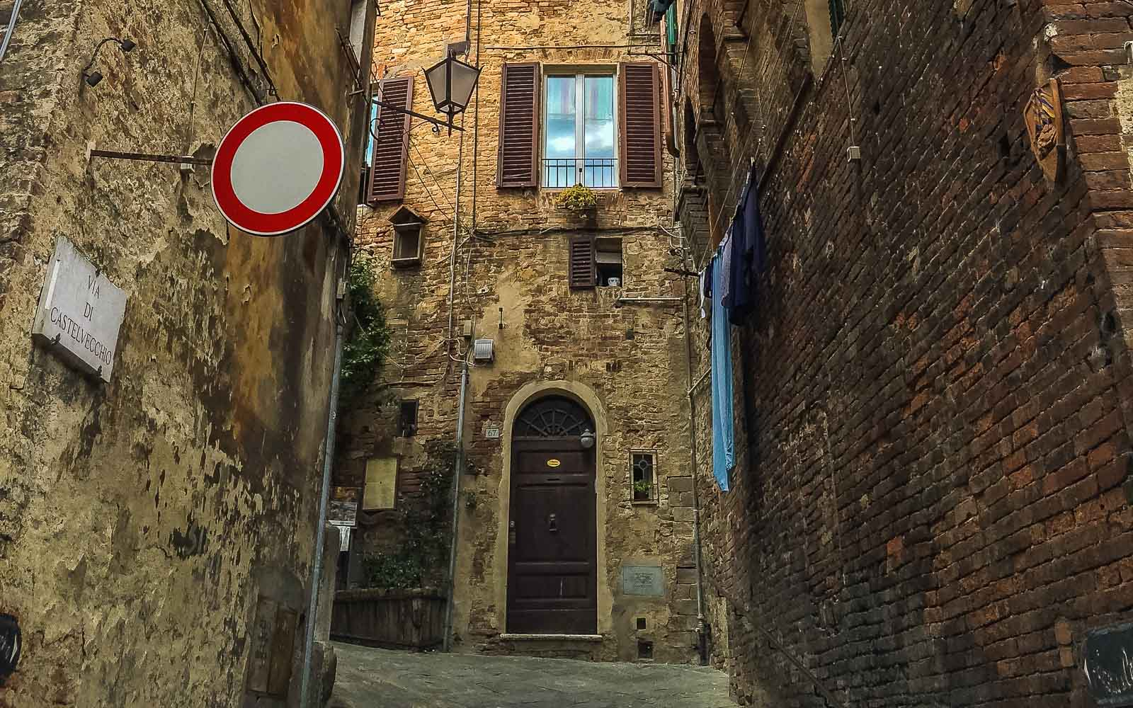 Tips for Renting a Car in Italy | Earth Trippers