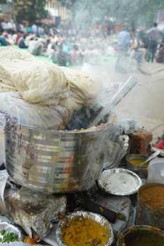 Rs 20 Chole Bhatoore, Luxury
