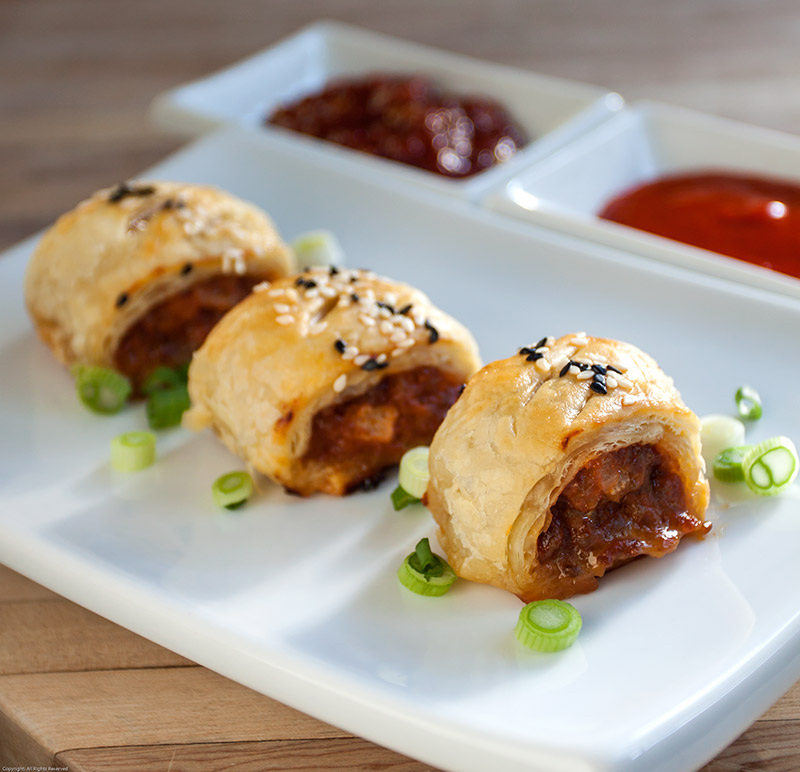 Spicy Gochujang Pork Puffs