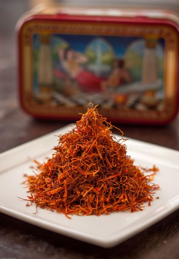 Pyramid-of-saffron-on-plate-II