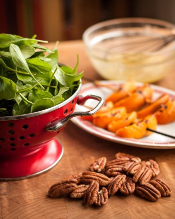 Arugula, pecans and apricots