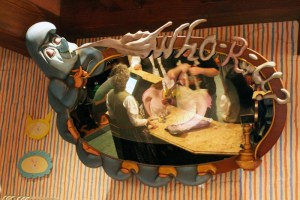 Cheshire-Cat-Disneyland-Mad-Hatter-Mirror