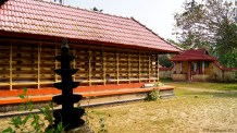 1000 year old Shiva temple at Mulavukadu