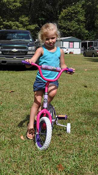 Bicycle Winner girls ages 2-4 Braylee Lambert.  Photo by Teri Henry