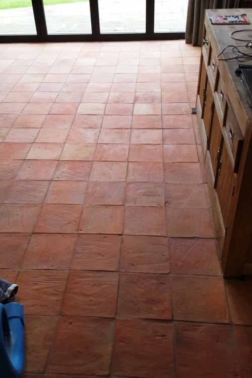 Cleaning A 90m2 Spanish Terracotta Tiled Kitchen Floor In Alderley