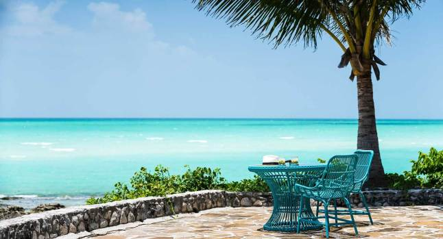 Anantara_Medjumbe_Mozambique_Ext_Table_Lifestyle_Wide_1920x1037