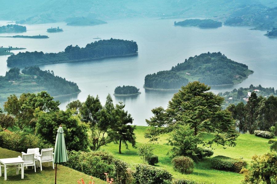 Lake Bunyonyi Biding Paradise