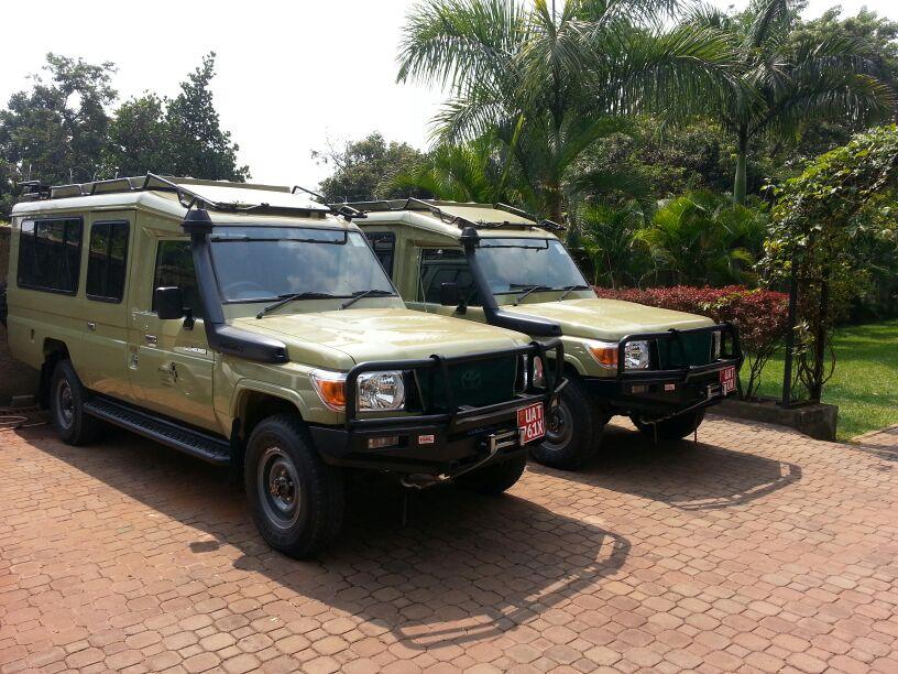 Hire a Land Cruiser Safari Car in Uganda