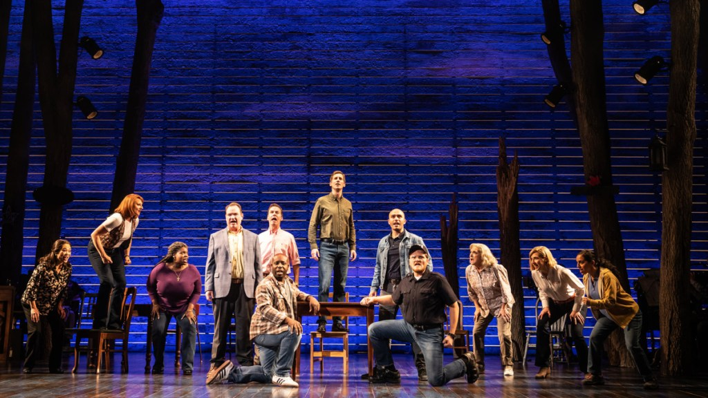 COME FROM AWAY theatre still