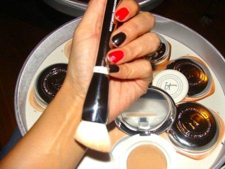It Cosmetics Confidence In A Cream Serum Foundation
