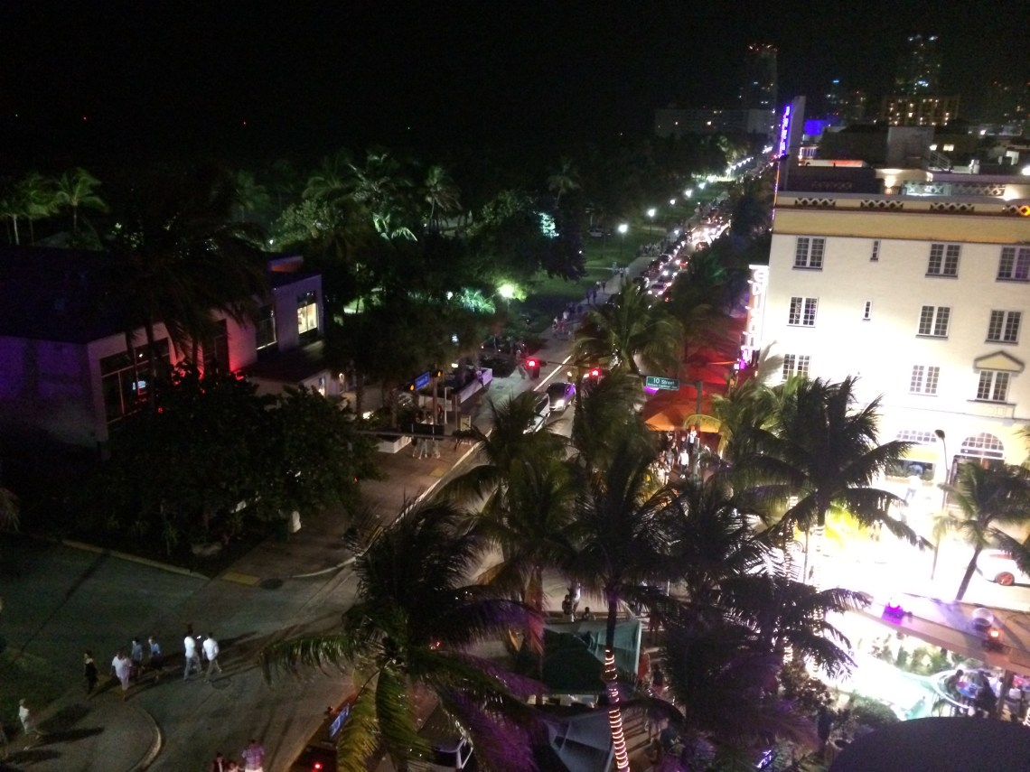 ocean_drive_at_night