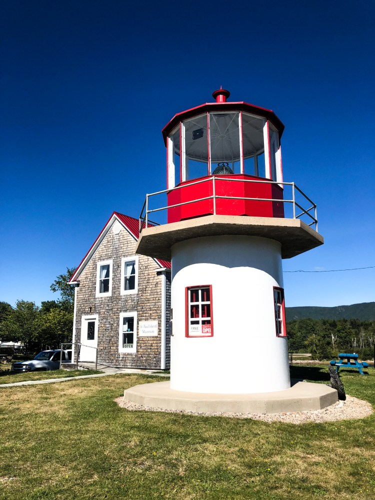 Cabot Trail - Dingwall Lighthouse