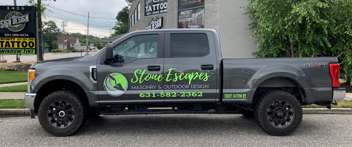 stone escapes truck lettering