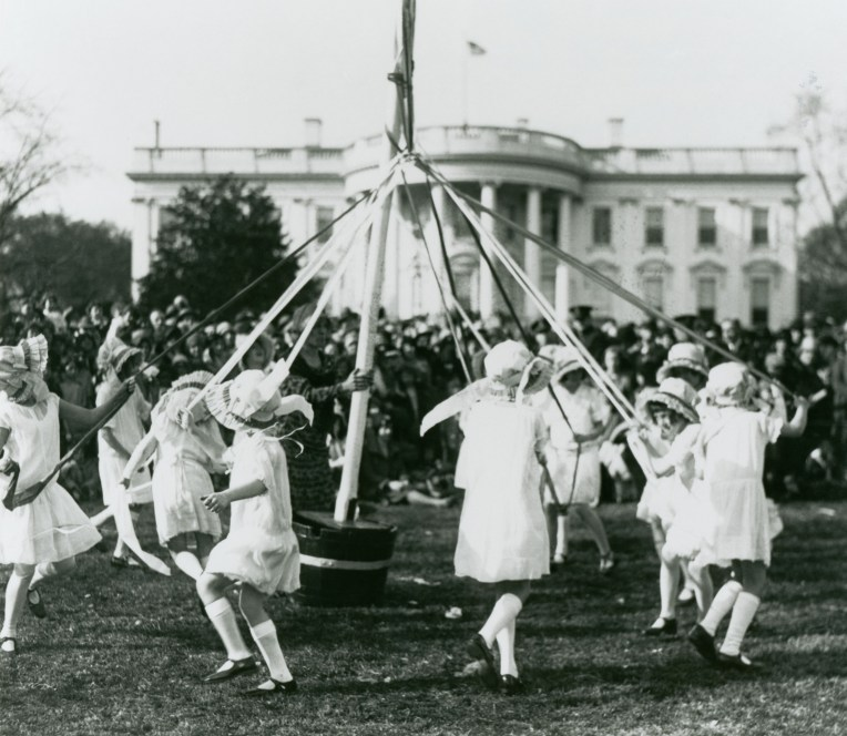 http://www.pbs.org/newshour/rundown/photos-the-white-house-easter-egg-roll-throughout-history/