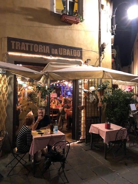 restaurants in lucca