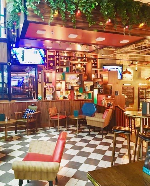 sports bar in victoria