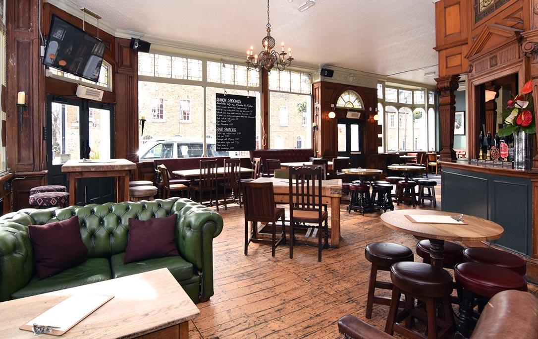 gastro pub in bow