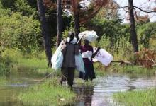 Photo of Lake Kyoga Floods Sends 200 Households To Churches, Red Cross Intervenes