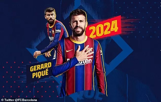 Photo of EXPOSED! Gerard Pique At Centre Of Barcelona Dressing Room Split