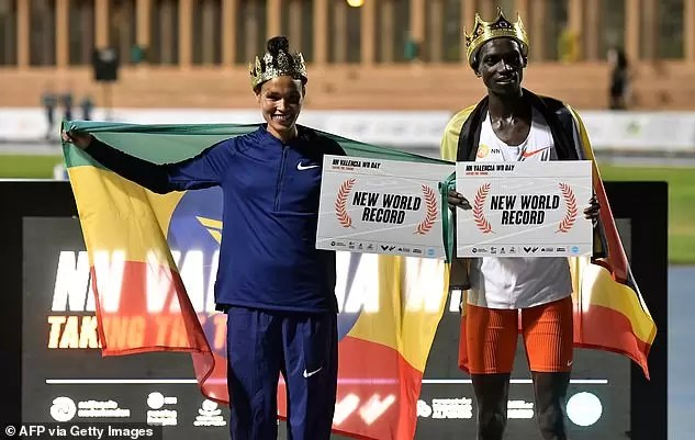 Photo of KING OF THE TRACK: Uganda's Cheptegei smashes 15-year-old world 10,000 Meters Record