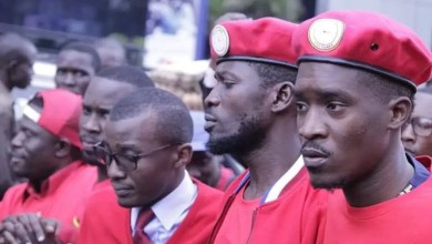 Photo of A Pass Bashes Ugandan Artistes As He Stands With Bobi Wine