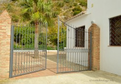 Iron gates through to the Baños de Vilo, Periana