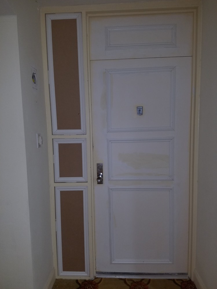Door molding and sidelight