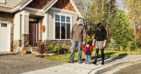 Fall-Family-Walking-on-Sidewalk-XL