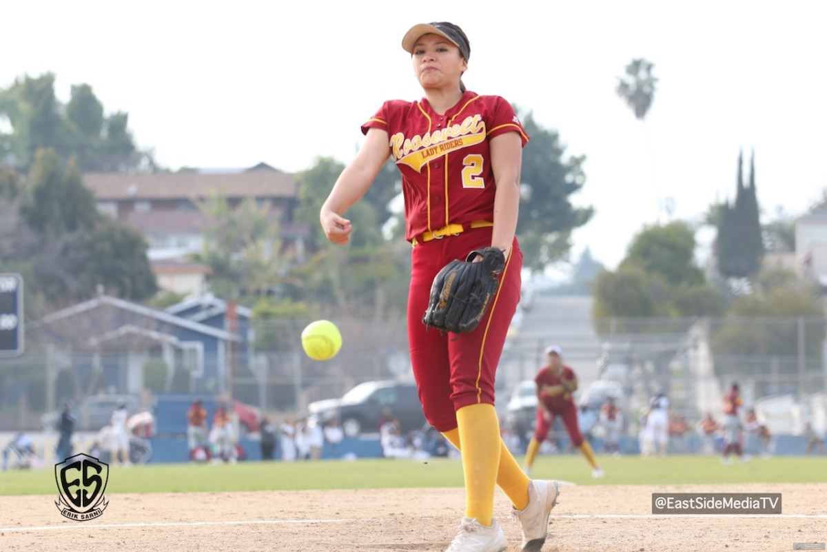 Samantha Islas tosses one hit shutout as Roosevelt blanks Franklin 12-0
