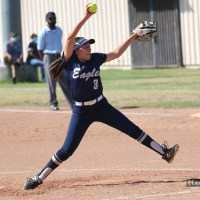 South El Monte softball team edges rival El Monte 4-3