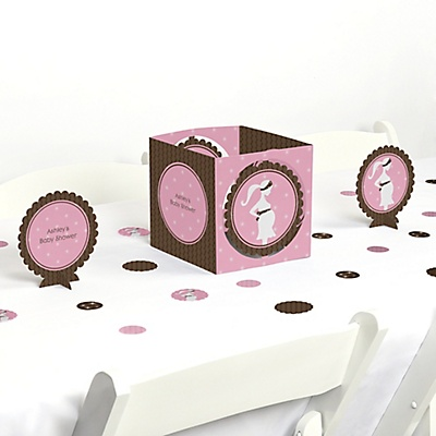 Expectant mommy pink baby shower centerpiece