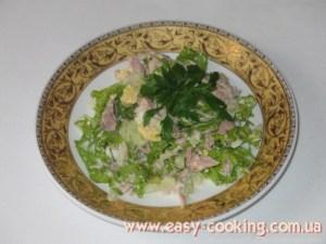 Салата з консервою тунця