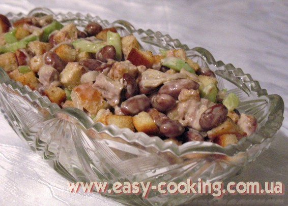Салат с фасолью , телятиной и сухариками - Рецепты салатов - Кулинарный блог Катрусина кухня
