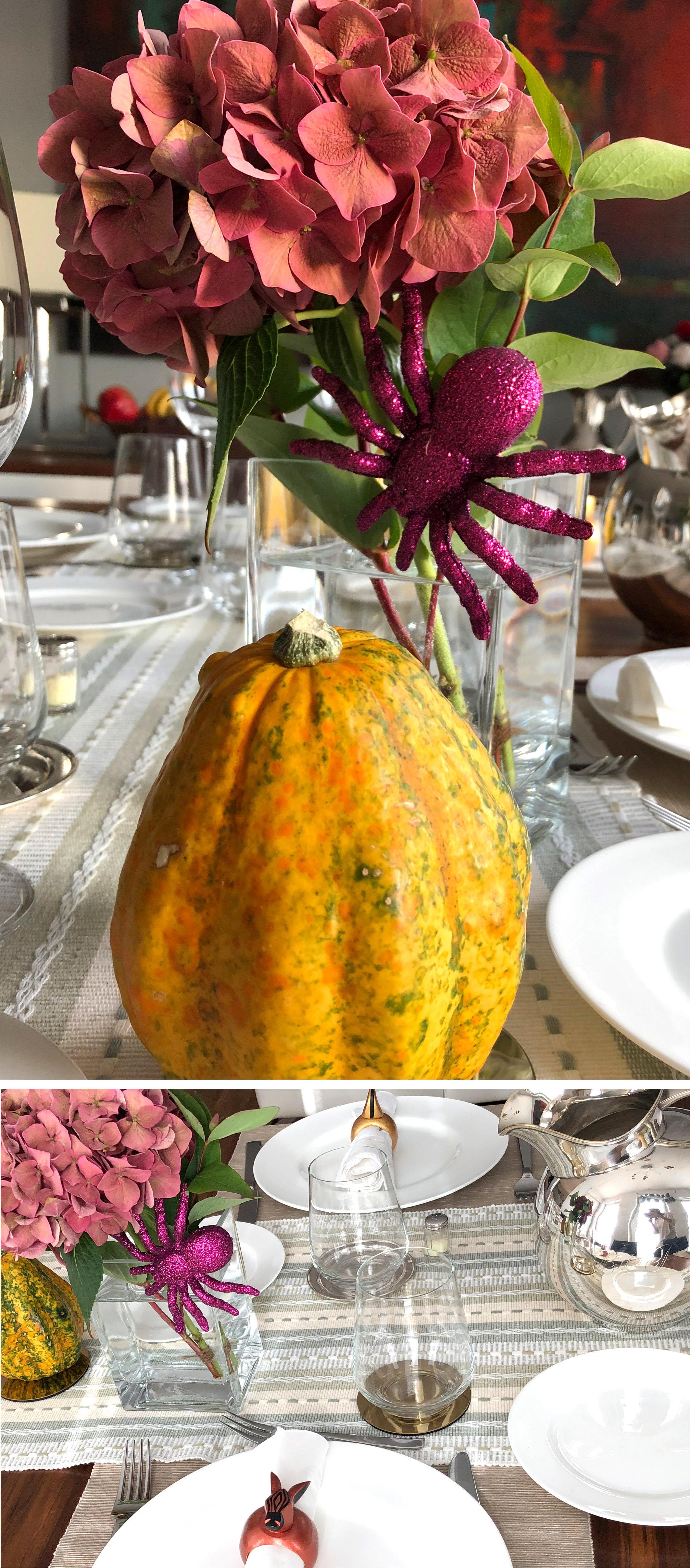 Tischdeko im Herbst Zierkürbis, Hortensie, dekorative Halloween Spinne