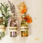 Essential Oils Benefits, Usage, Side Effects, Types, Advantages