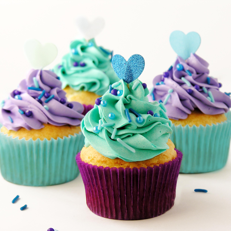 White Wedding Cupcakes A White Mix Cake Over