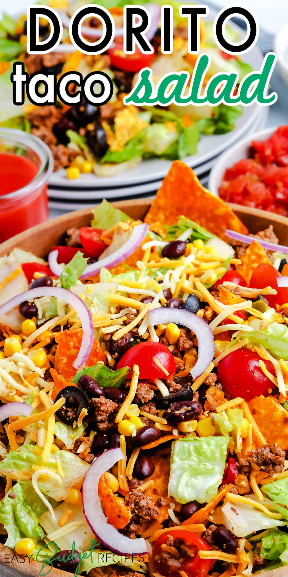 This Dorito Taco Salad recipe is one of our favorite easy dinners. It's a quick and easy recipe to make that doesn't heat up the house.  via @easybudgetrecipes
