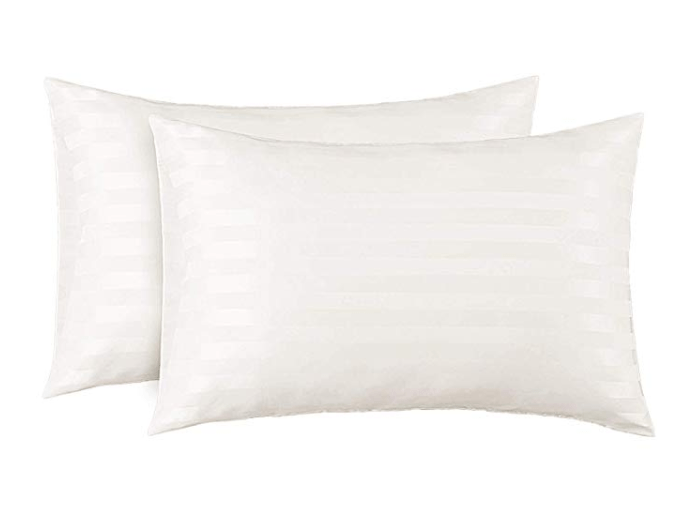 Amazon: Bedsure Two-Pack Satin Pillowcases Set for Hair Cool and Easy to WASH Queen Size – $3.59