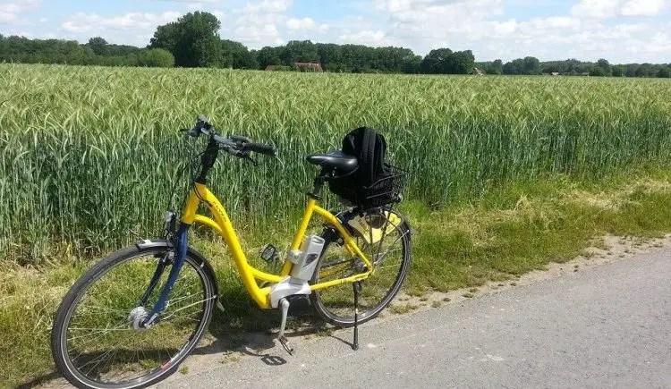 Easy E-Biking - e-bike in nature, helping to make electric biking practical and fun