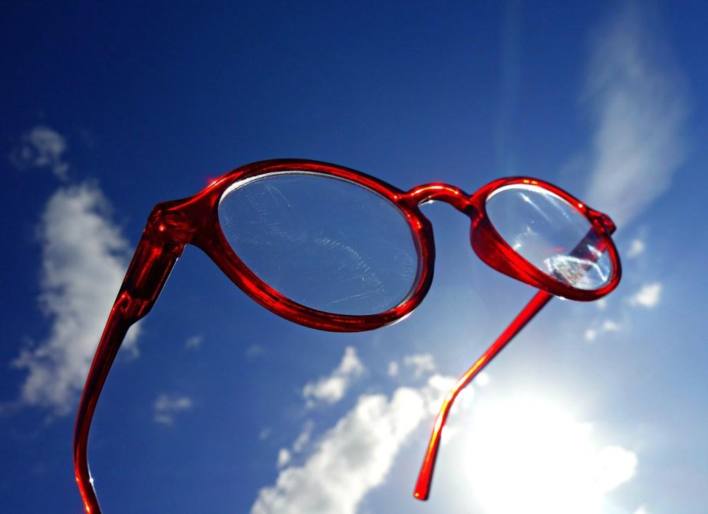 Brille in der Sonne