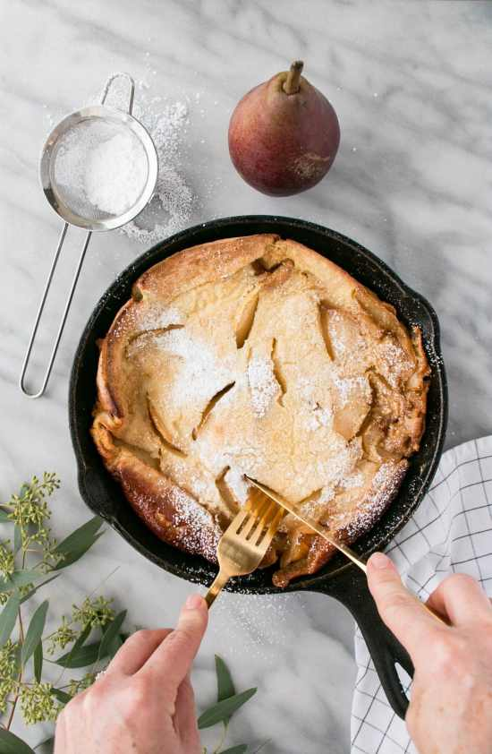 Vanilla Bourbon Pear Baby Dutch Pancake is a dreamy brunch dish. Light and fluffy pancake with layers of vanilla and pear flavouring.