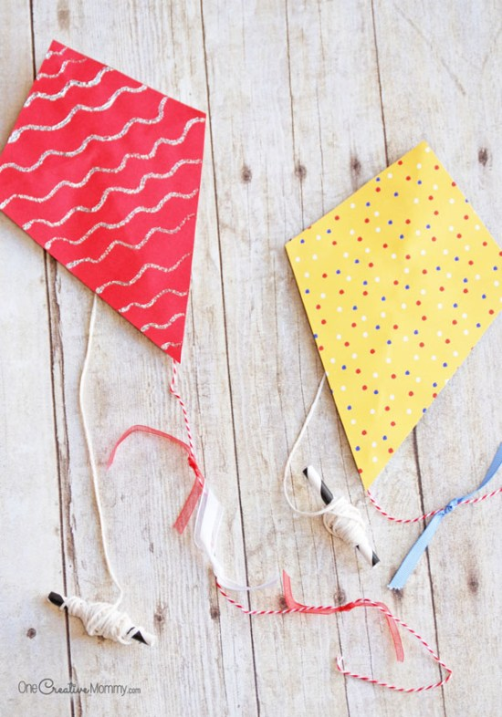 mini paper kites. They're quick and easy enough for your youngest crafters. Depending on age, the kids can make these kites as simple or as fancy as they'd like. Get ready for a fun and easy boredom buster!