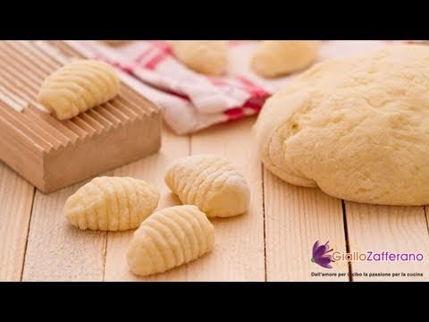 Potato Gnocchi – Italian Recipe (VIDEO)