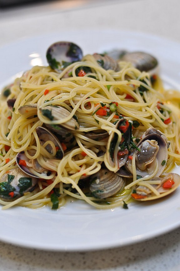 Spaghetti alle Vongole recipe photo