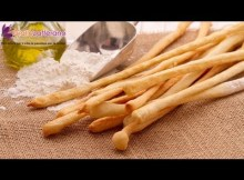 Breadsticks (grissini) - Italian recipe (VIDEO)